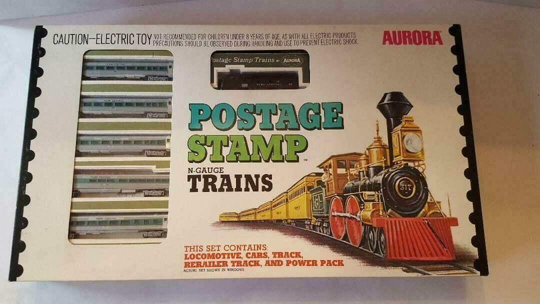 N Scale - Aurora Postage Stamp - 4728 - Passenger Train, Diesel, North American, Transition Era - Penn Central - 6-Unit Set