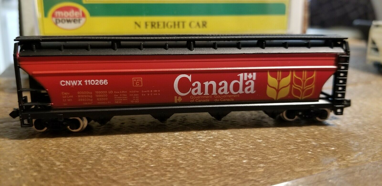 N Scale - Model Power - 3488 - Covered Hopper, 4-Bay, ACF Centerflow - Canadian National - 110266