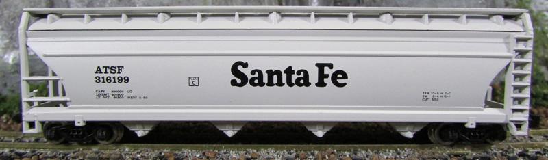 N Scale - Model Power - 3465 - Covered Hopper, 4-Bay, ACF Centerflow - Santa Fe - 316199