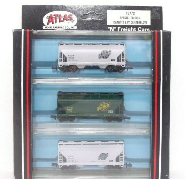 N Scale - Atlas - 5772 - Covered Hopper, 2-Bay, ACF Centerflow - Chicago & North Western - 3 Different
