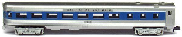 N Scale - Aurora Postage Stamp - 4893-240 - Passenger Car, Lightweight, Budd - Baltimore & Ohio - 951