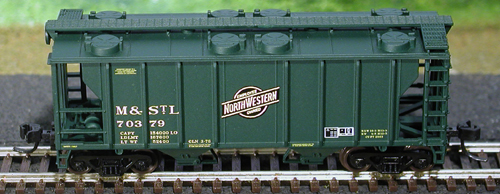 N Scale - Atlas - 31807 - Covered Hopper, 2-Bay, PS2 - Chicago & North Western - 70374