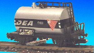 N Scale - Herkat - 1406 - Tank Car, No Dome, 2-Axle - DEA