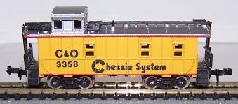 N Scale - Life-Like - 7713 - Caboose, Cupola, Offset 8-Window - Chessie System - 3358