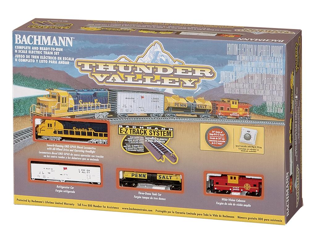 N Scale - Bachmann - 24013 - Freight Train, Diesel, North American, Modern Era - Santa Fe - Thunder Valley