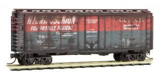 N Scale - Micro-Trains - 021 44 590 - Boxcar, 40 Foot, Steel Plug Door - Cotton Belt - 300--