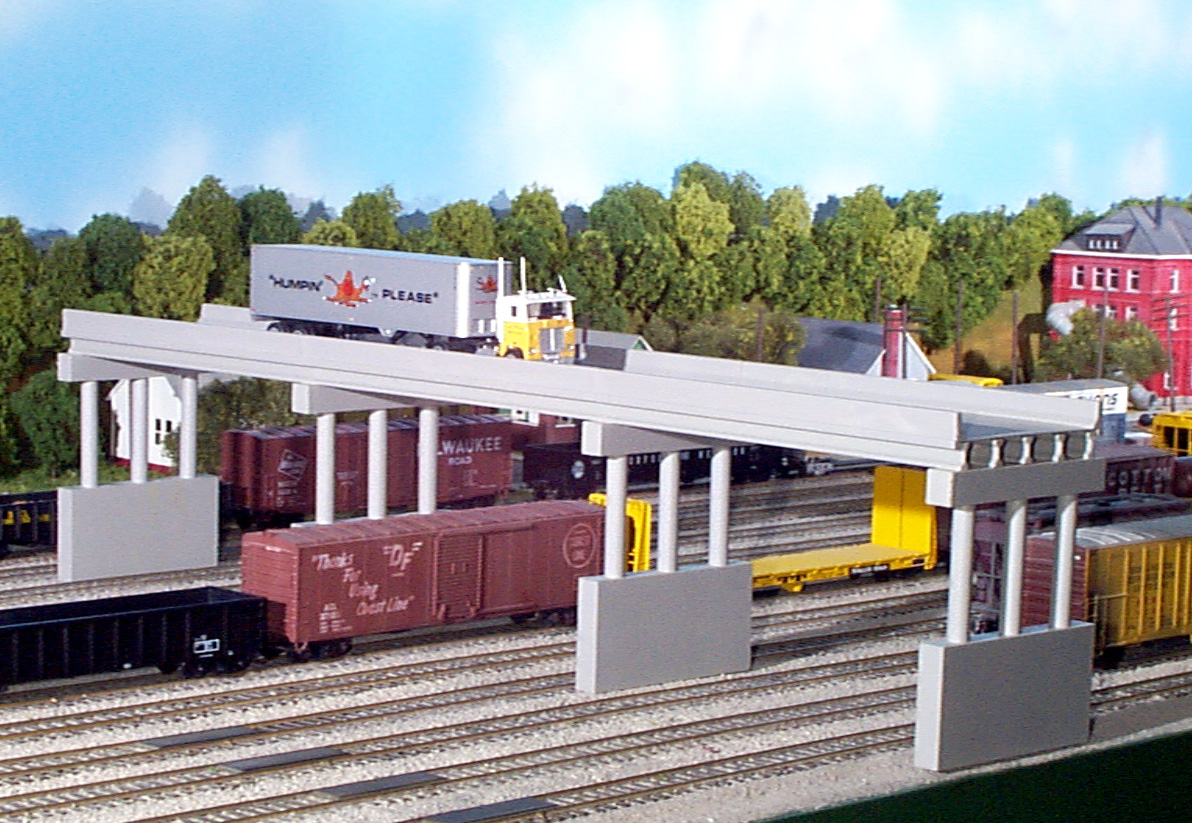 N Scale - Rix Products - 628-0163 - Highway Overpass - Undecorated