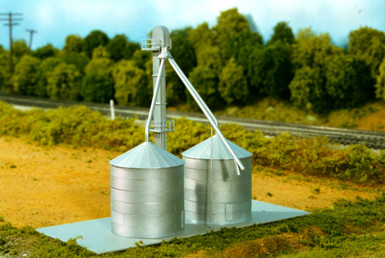 N Scale - Rix Products - 628-0707 - Grain Bin - Undecorated