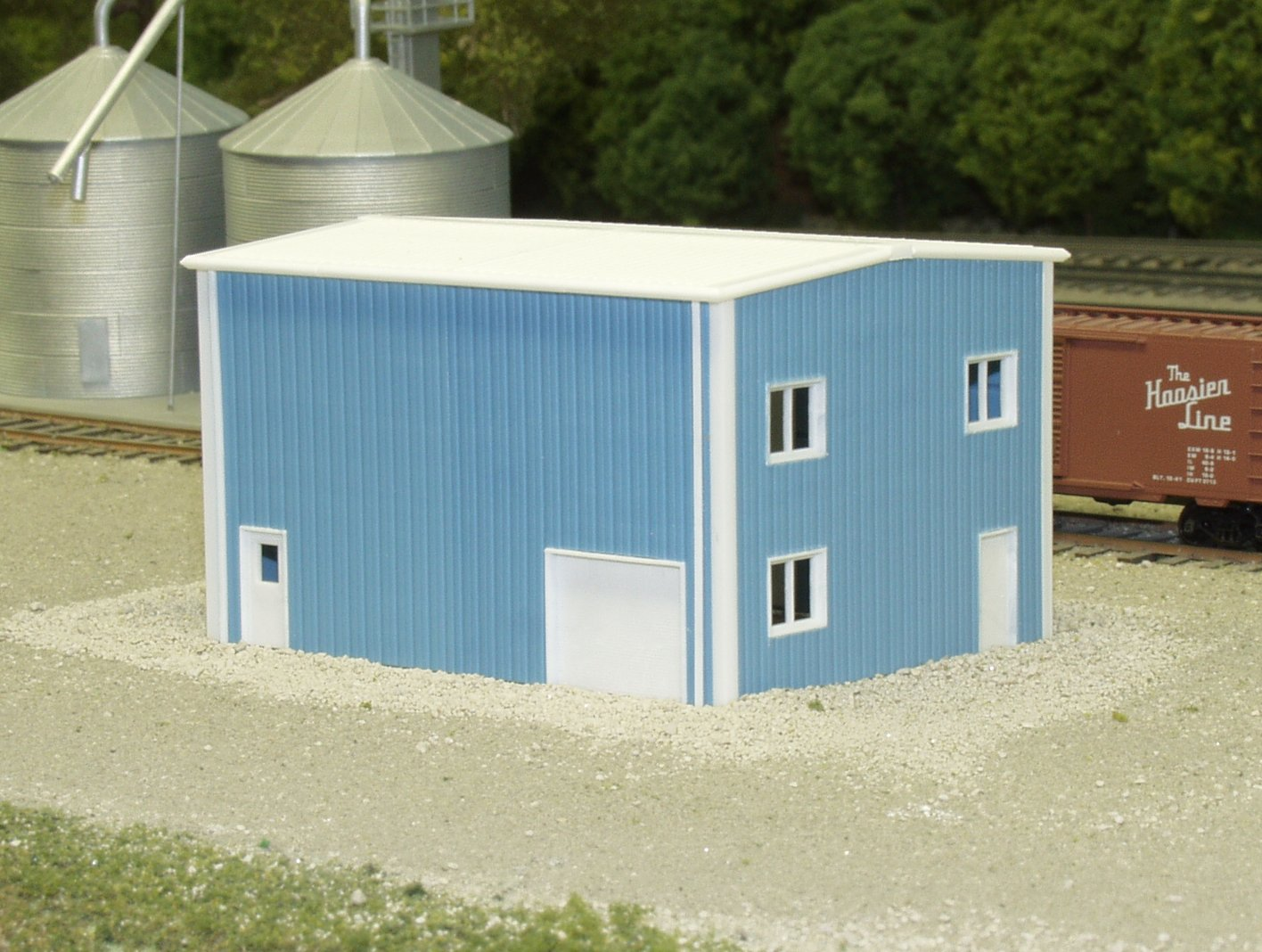 N Scale - Pikestuff - 541-8001 - Prefabricated Metal Building - Undecorated