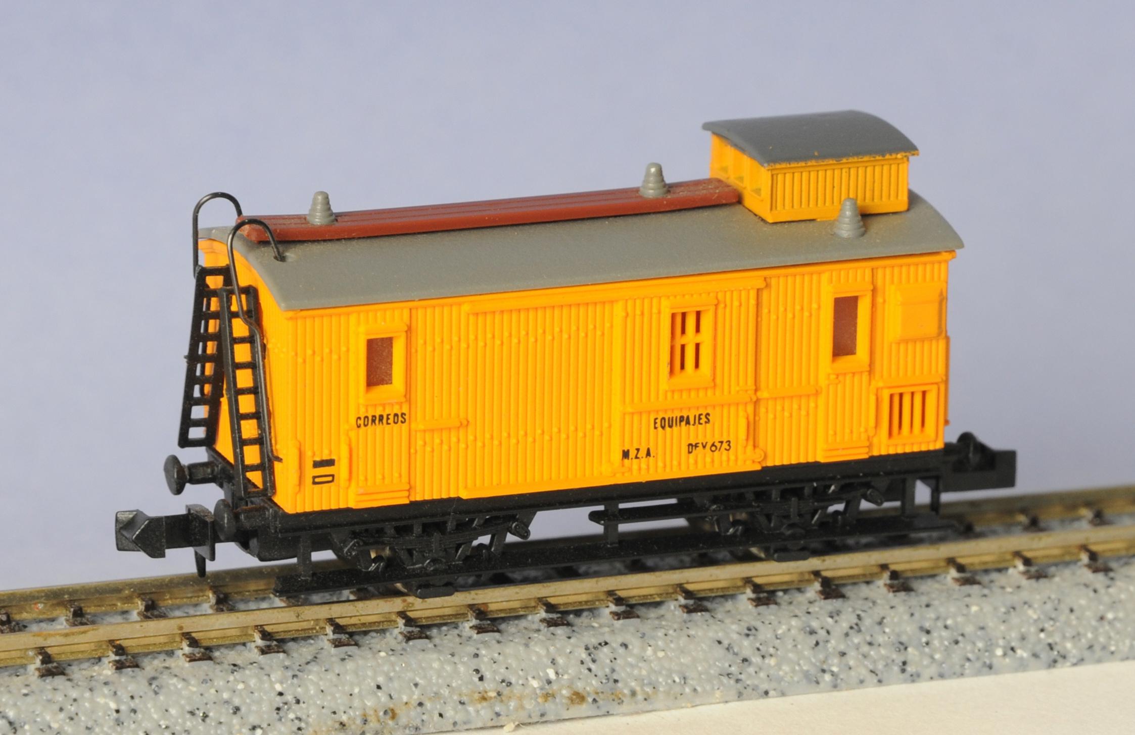 N Scale - Ibertren - 245 - Baggage Car, Wood, 2-Axle - MZA - 673