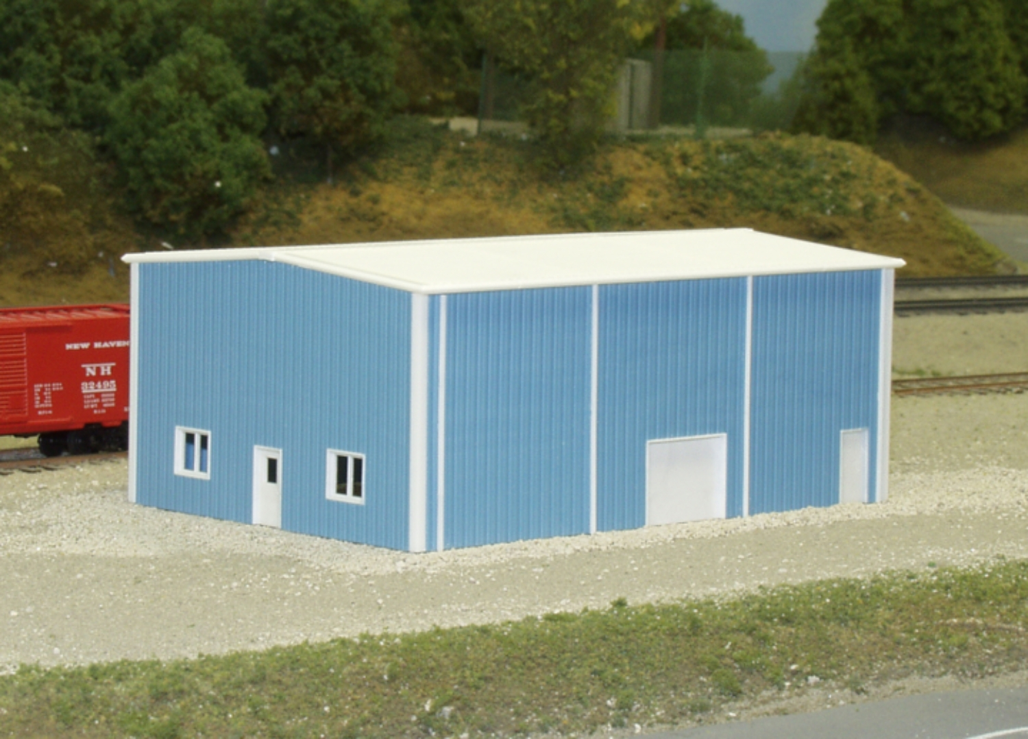 N Scale - Pikestuff - 541-8005 - Prefabricated Metal Building - Undecorated
