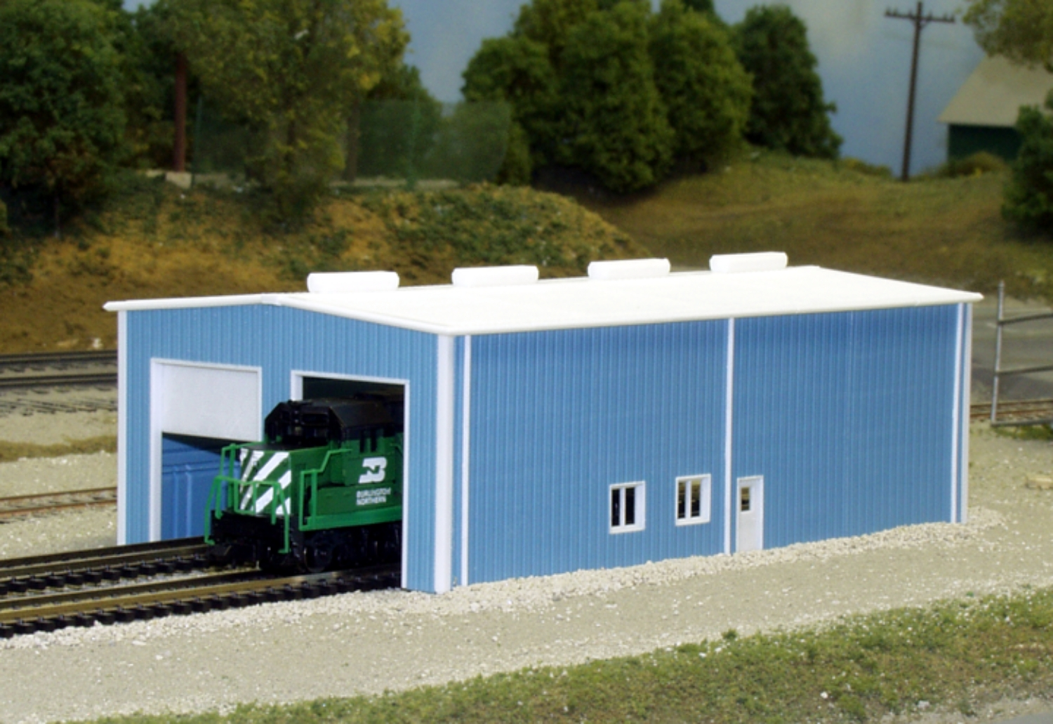 N Scale - Pikestuff - 541-8007 - Prefabricated Metal Building - Undecorated
