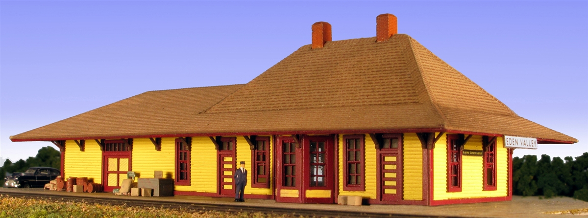 N Scale - Monroe Models - 9207 - Railroad Depot - Railway Station