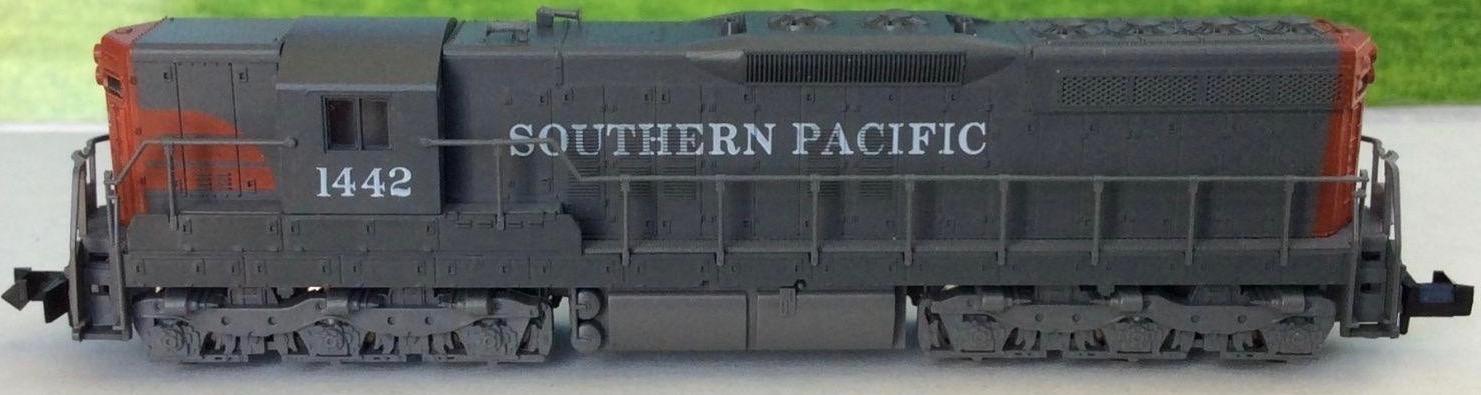 N Scale - Atlas - 4505 - Locomotive, Diesel, EMD SD7 - Southern Pacific - 1442