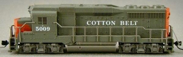 N Scale - Atlas - 4711 - Locomotive, Diesel, EMD GP30 - Cotton Belt - 5009