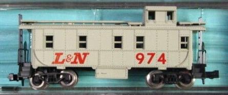 N Scale - Atlas - 3566 - Caboose, Cupola, Steel - Louisville & Nashville - 974