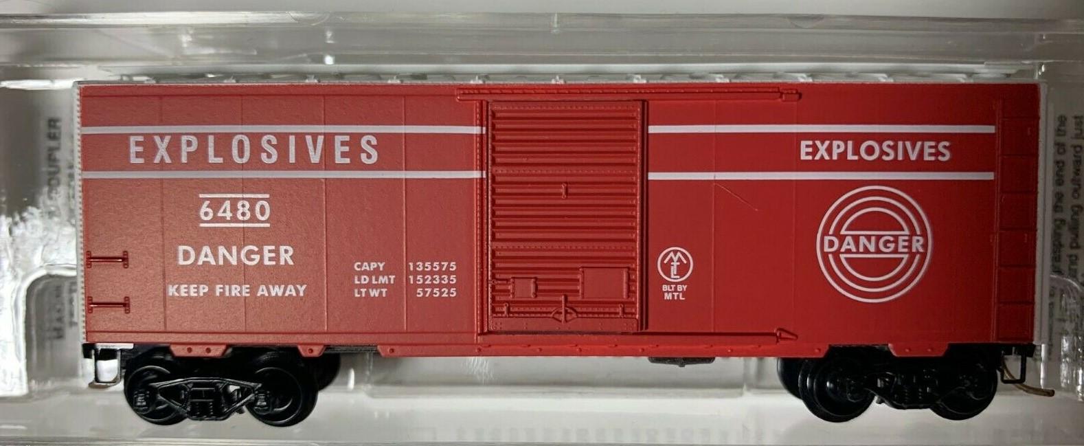 N Scale - Micro-Trains - NSC 98-90 - Boxcar, 40 Foot, Steel Plug Door - Explosives - 6480