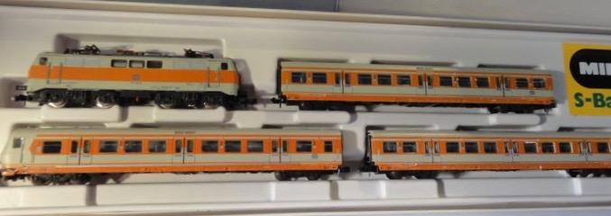 N Scale - Minitrix - 1027 - S-Bahn-Zug-Set - Deutsche Bundesbahn
