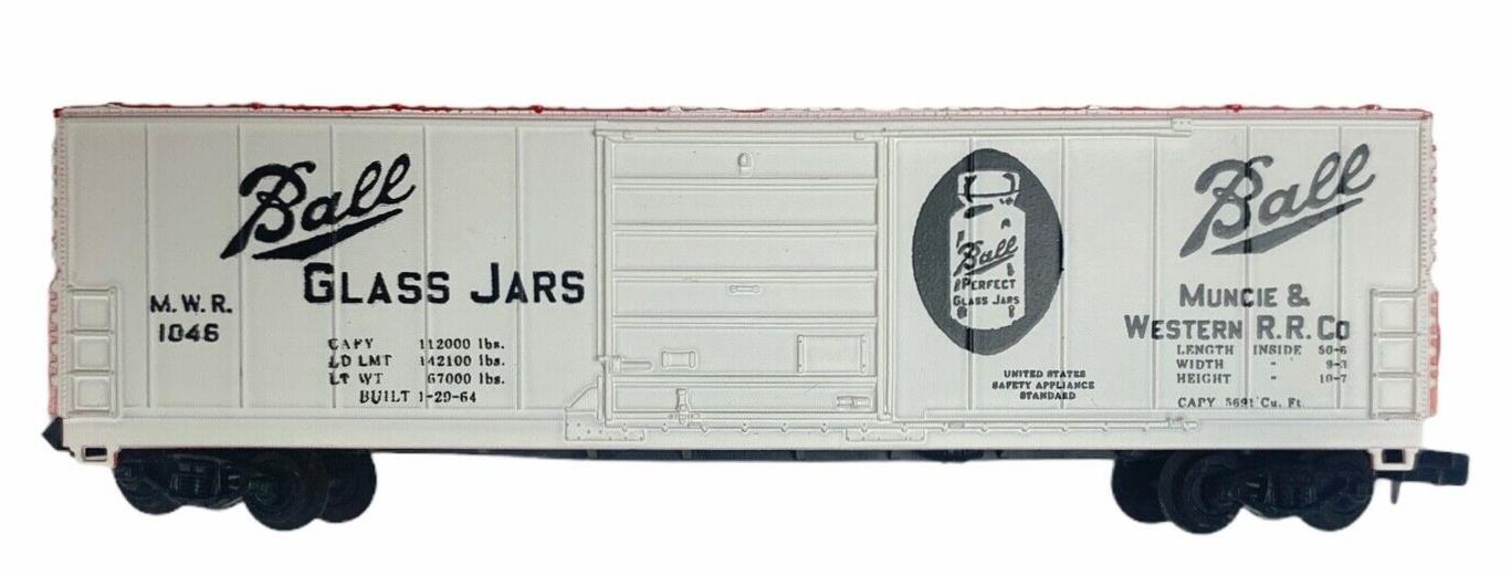 N Scale - Bev-Bel - 4472 - Boxcar, 50 Foot, Evans 5277 - Muncie & Western - 1046