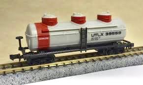 N Scale - Industrial Rail - 7793 - Tank Car, Triple Dome, 40 Foot - Union Tank Car - 39559