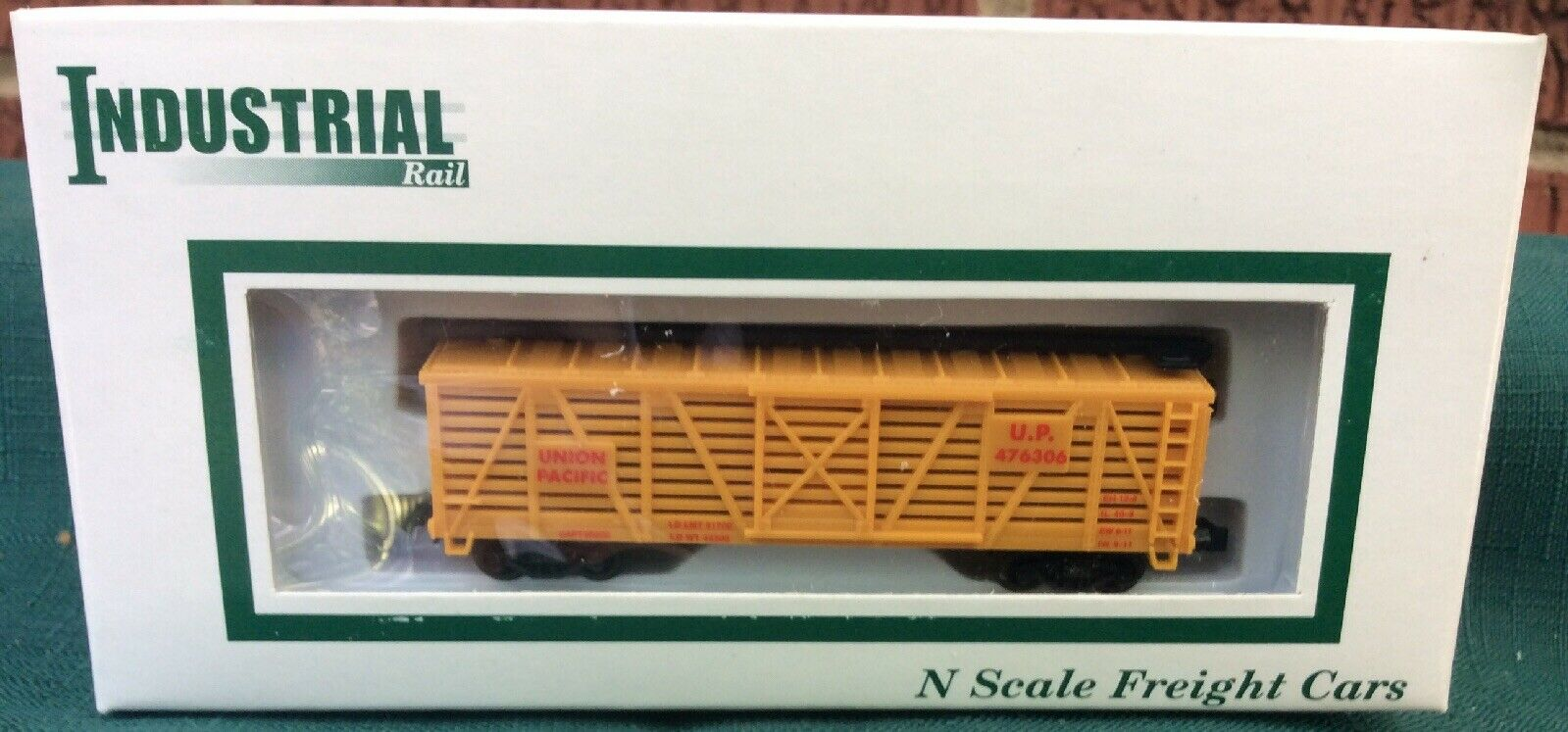 N Scale - Industrial Rail - 7793 - Stock Car, 40 Foot, Wood - Union Pacific - 476306