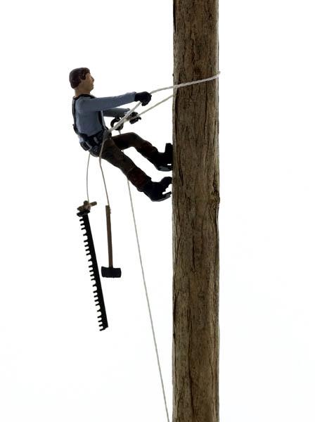 N Scale - Model Tech Studios - FN495P - Lumberjack - People - Tree-Topper