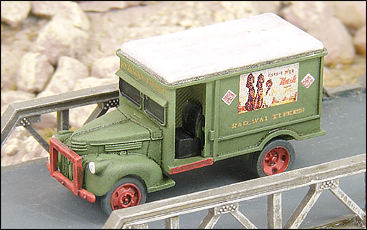 N Scale - GHQ Models - 56015 - 40s Chevy REA Truck - Undecorated