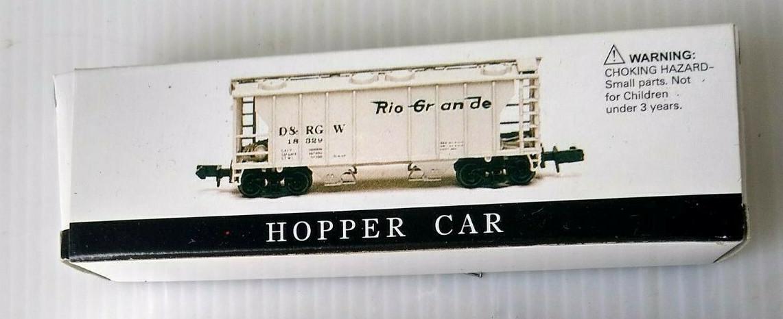 N Scale - High Speed - 425 - Covered Hopper, 2-Bay, Round Hatch - Rio Grande - 12057