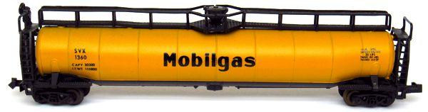 N Scale - Aurora Postage Stamp - 4870-410 - Tank Car, 33K, LPG - Mobil Oil - 1360
