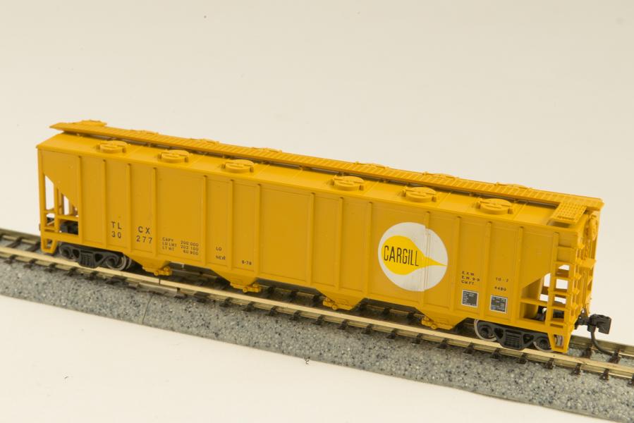 N Scale - Con-Cor - 0001-015035 - Covered Hopper, 4-Bay, Ribside - Cargill - 30277
