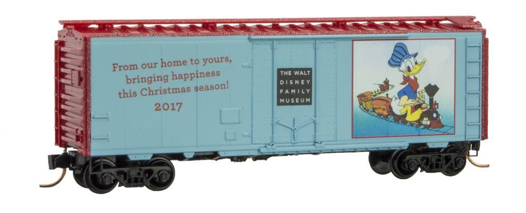 N Scale - Micro-Trains - NSE MTL 17-246 - Boxcar, 40 Foot, Steel Plug Door - Merry Christmas - 2017