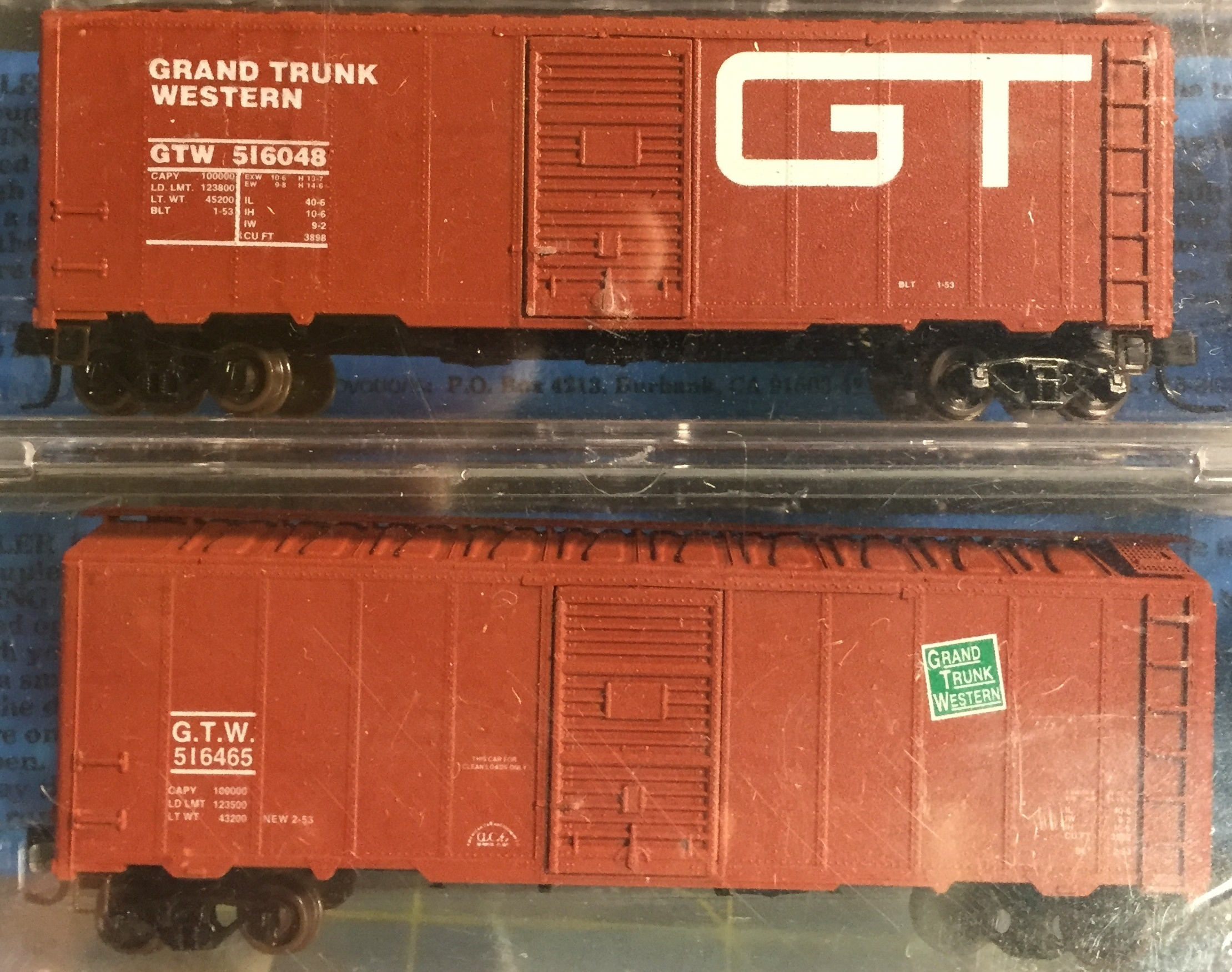 N Scale - Deluxe Innovations - 142102 - Boxcar, 40 Foot, AAR 1944 - Grand Trunk Western - 516048, 516465