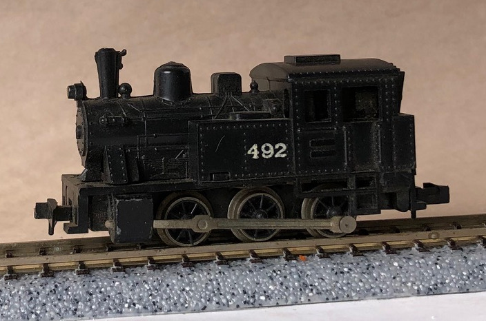 N Scale - Life-Like - S780A - Locomotive, Steam, 0-6-0 Tank - Painted/Lettered - 492