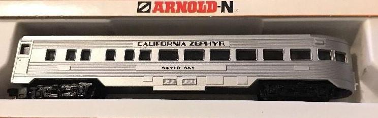 N Scale - Arnold - 5211 - Passenger Car, Lightweight, Corrugated - Burlington Route - Silver Sky
