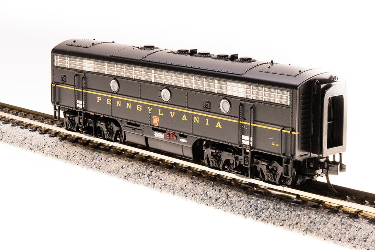 N Scale - Broadway Limited - 3529 - Locomotive, Diesel, EMD F7 - Pennsylvania - 9673A