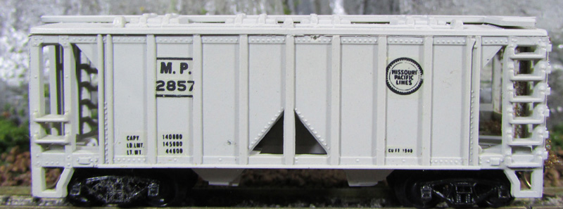 N Scale - Kustom Line - Unknown - Covered Hopper, 2-Bay, ACF 36 Foot - Missouri Pacific - 2857