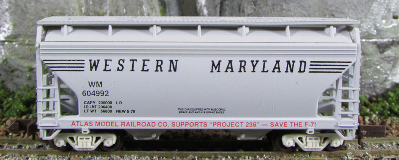 N Scale - Loco-Motives - 236 - Covered Hopper, 2-Bay, ACF Centerflow - Western Maryland - 604992