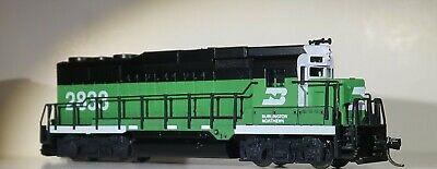 N Scale - Atlas - 4737 - Locomotive, Diesel, EMD GP30 - Burlington Northern - 2833