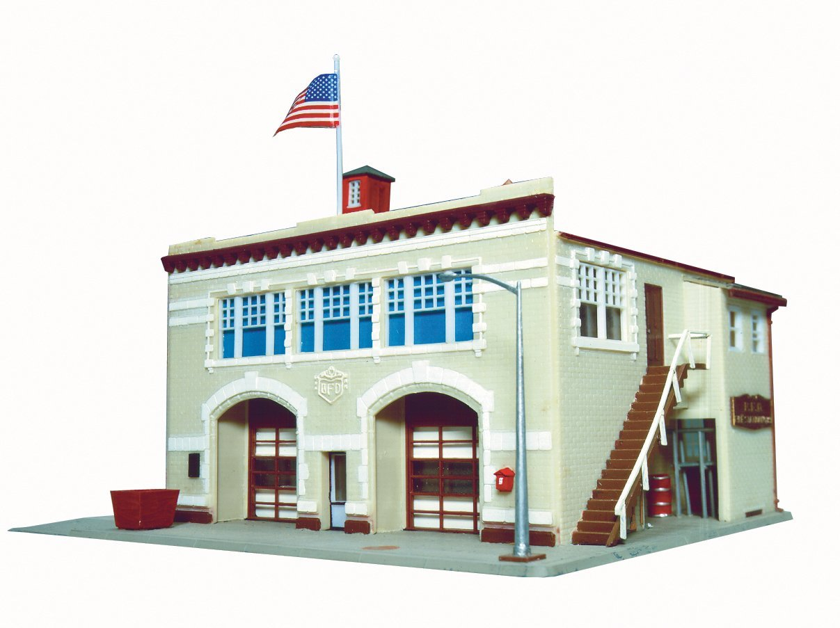 N Scale - Life-Like - 7483 - Fire Station - Municipal Structures