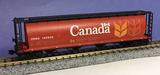 N Scale - InterMountain - 65101-102 - Covered Hopper, 4-Bay, Cylindrical - Canadian National - 110142