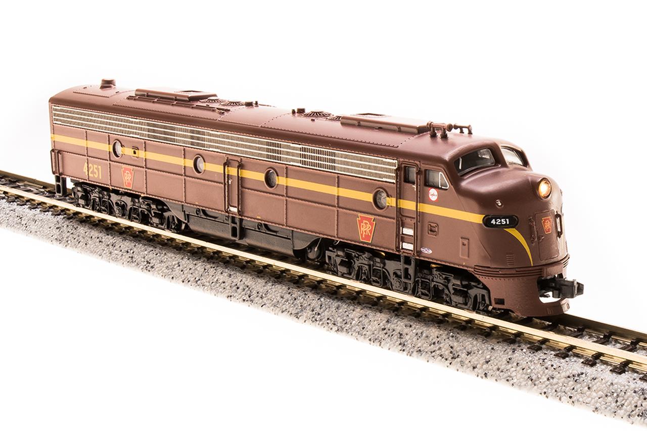 N Scale - Broadway Limited - 3624 - Locomotive, Diesel, EMD E8 - Pennsylvania - 4261