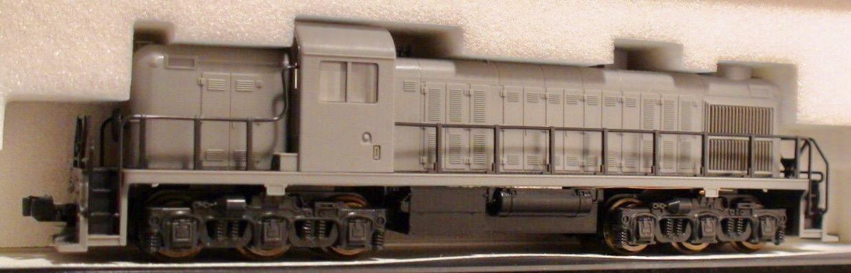 N Scale - Kato USA - 176-4300 - Locomotive, Diesel, Alco RSC-2 - Undecorated