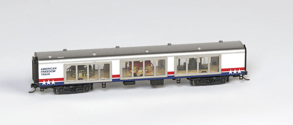 N Scale - Walthers - NSE WAL 17-02 - Passenger Car, Lightweight, Pullman 72