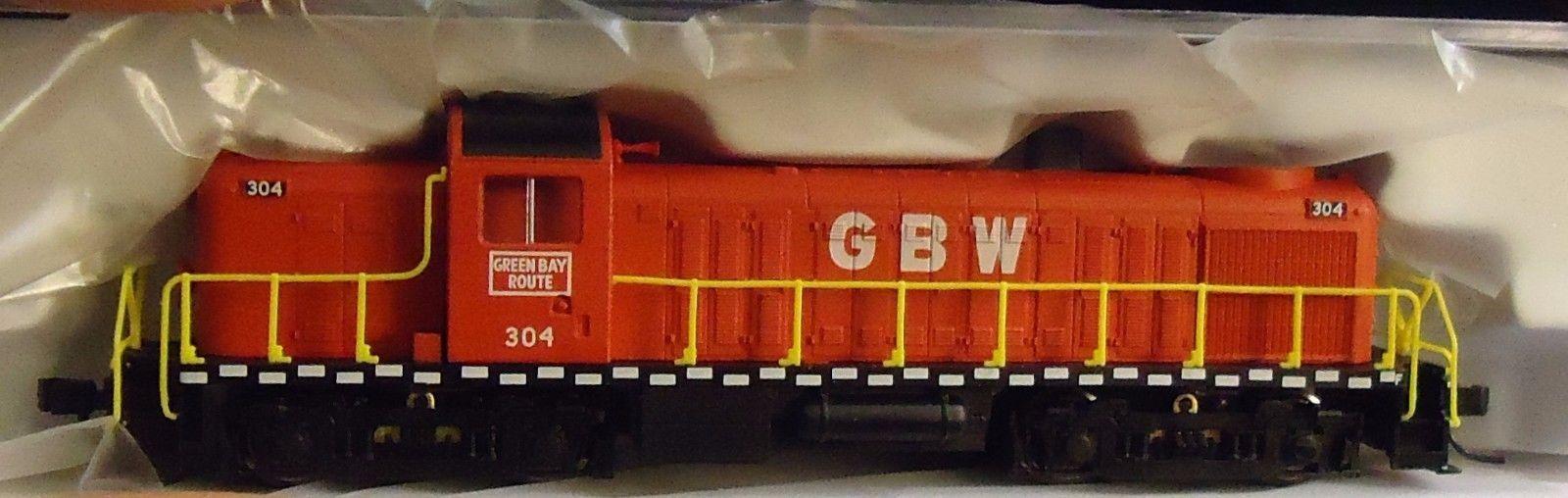 N Scale - Life-Like - 80081 - Locomotive, Diesel, Alco RS-2 - Green Bay & Western - 304