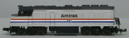 N Scale - Life-Like - 7641 - Locomotive, Diesel, EMD F40PH - Canadian National - 9302