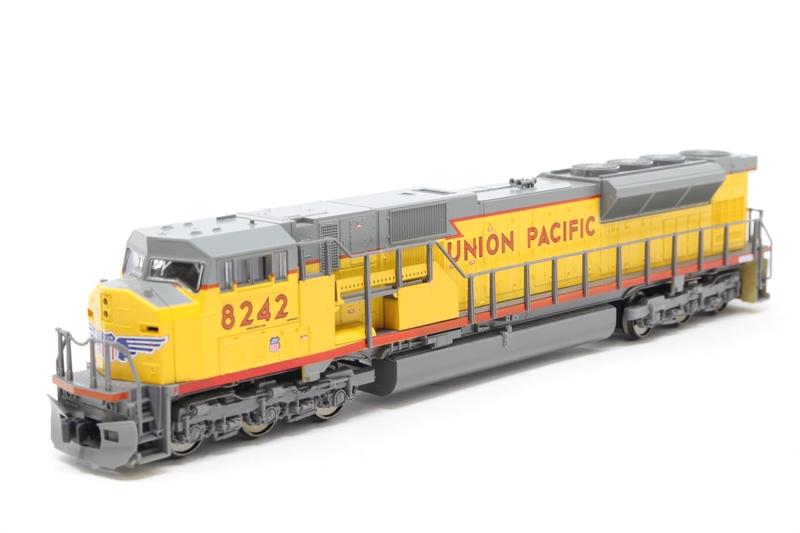 N Scale - Kato USA - 176-5613 - Locomotive, Diesel, EMD SD90MAC - Union Pacific - 8242