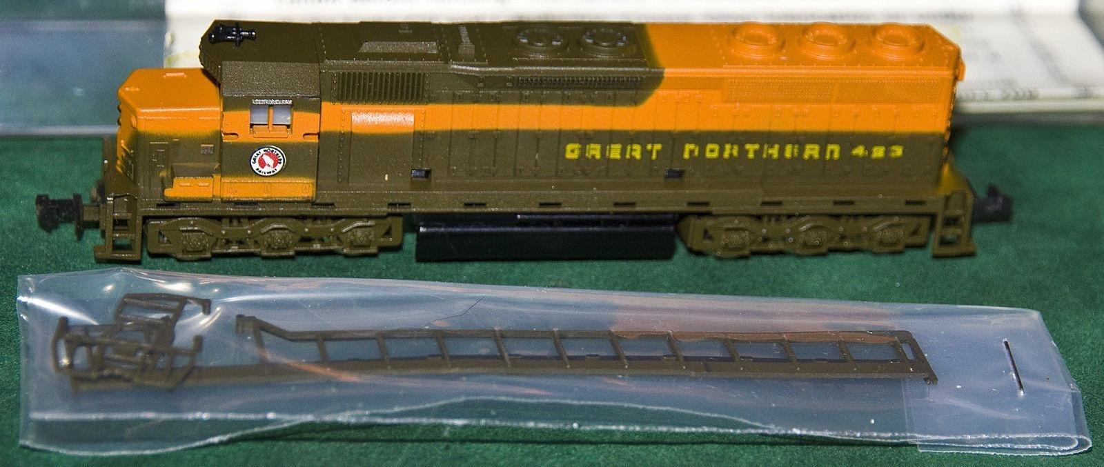 N Scale - Con-Cor - 2201-A - Locomotive, Diesel, EMD SD45 - Great Northern - 423