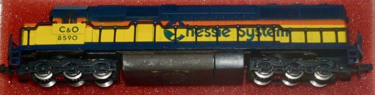 N Scale - Con-Cor - 0001-002652 - Locomotive, Diesel, EMD SD50 - Chessie System - 8590