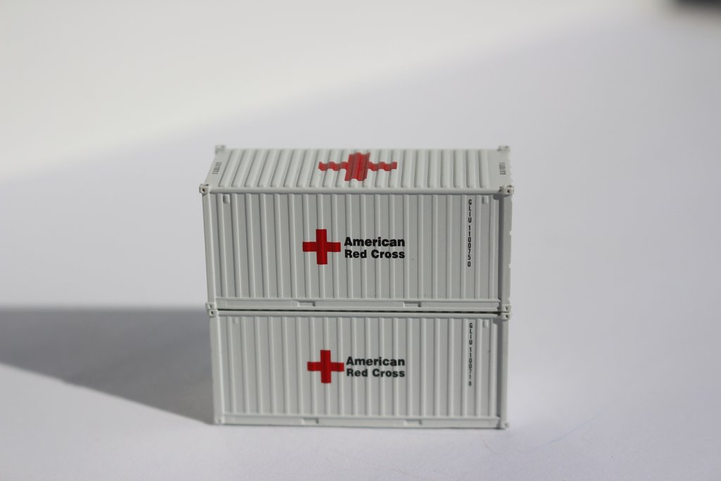 N Scale - Jacksonville Terminal - FMS1011 - Container, 20 Foot, Corrugated, Dry - American Red Cross - 2-Pack