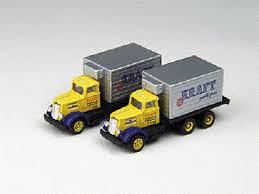 N Scale - Classic Metal Works - 50263 - Truck, White WC22 - Kraft - White WC22 Box Van